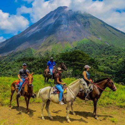 Costa Rica Clásica – Selva, Volcanes y Mar